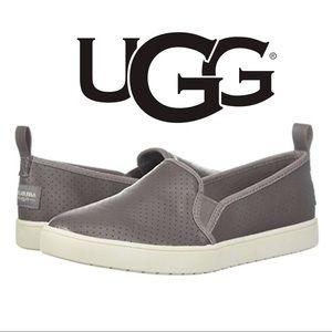 UGG SLIP ON CASUAL SHOE // KOOLABURRA W KELLEN